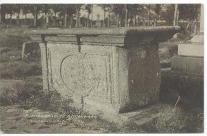 Tomb of James Bradley