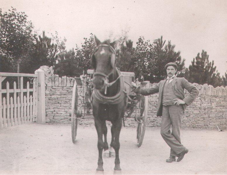 Jesse White at Woefuldane/Bubblewell c1910
