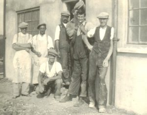 Group of workers from Simmonds (Builders)